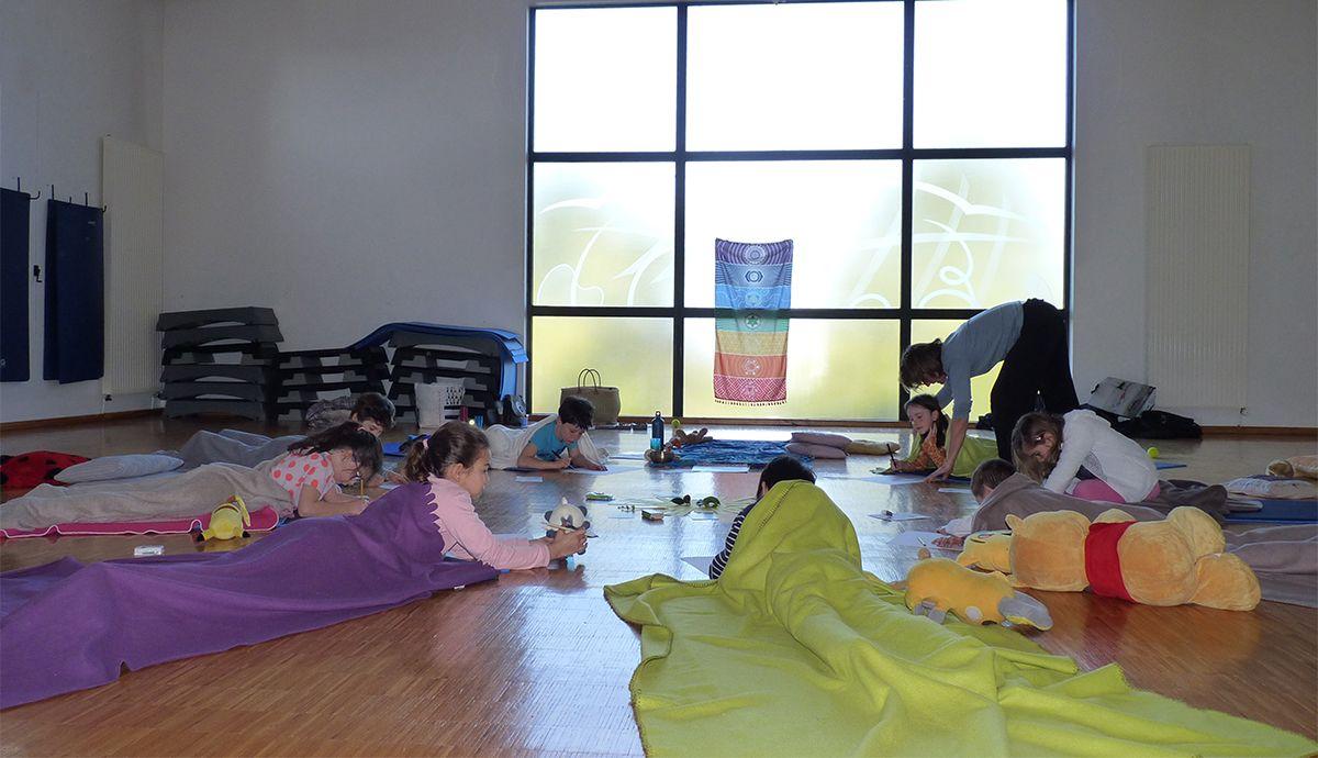 Brigitte Yoga fin de séance temps de relaxation d echange ou de creation